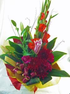 ダリアとグラジオラスの花束