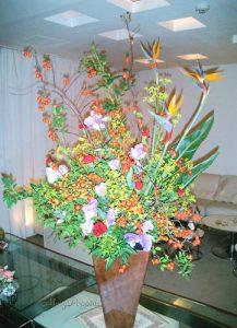 スズバラとストレリチアのアレンジ