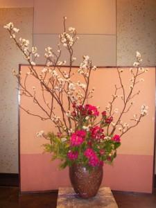 吉野桜とシャクナゲの生け込み